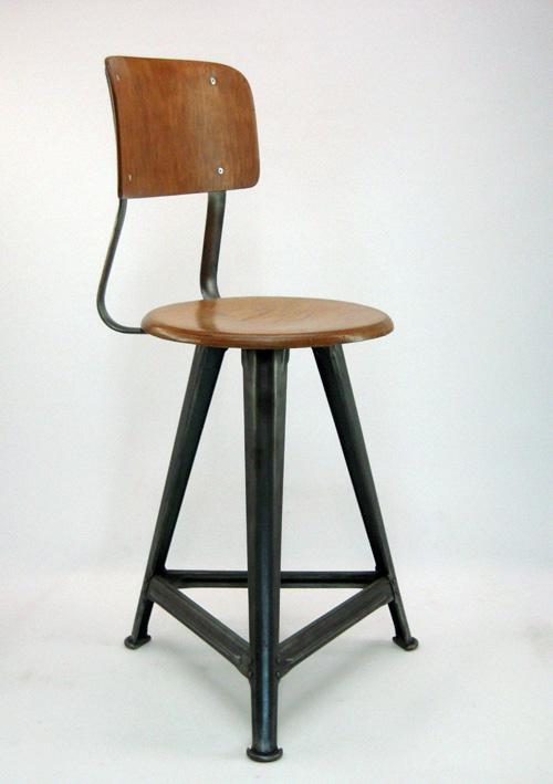 chaise bauhaus barcelona chair acuellement dite chez. Black Bedroom Furniture Sets. Home Design Ideas